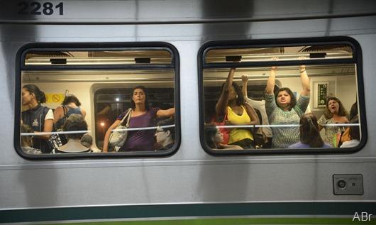 metrô_mulheres