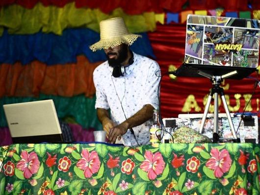 DJ indígena Topz.SA