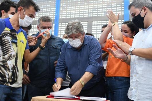 João Azevêdo autoriza pavimentação da PB-400