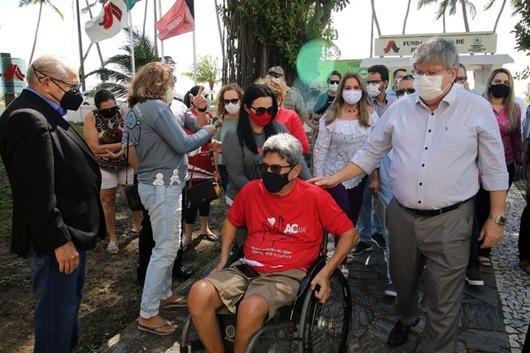 João Azevêdo_entrega de equipamentos na Casa de José Américo